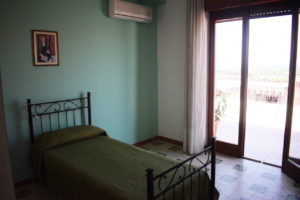 camera singola con vista del residence belvedere
